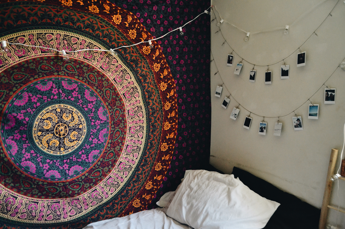 Gorgeous wall decorations like mandala tapestry hangings can be used ...