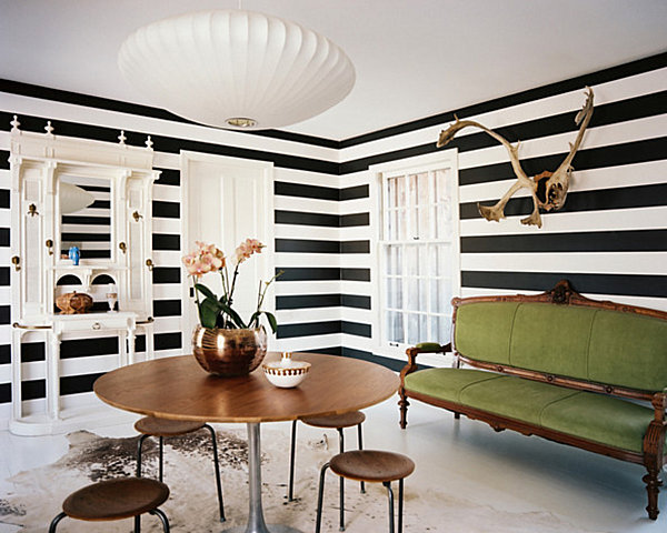 Horizontal-stripes-make-a-room-seem-larger