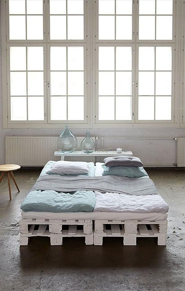 bed-made-from-pallets-cheap-furniture