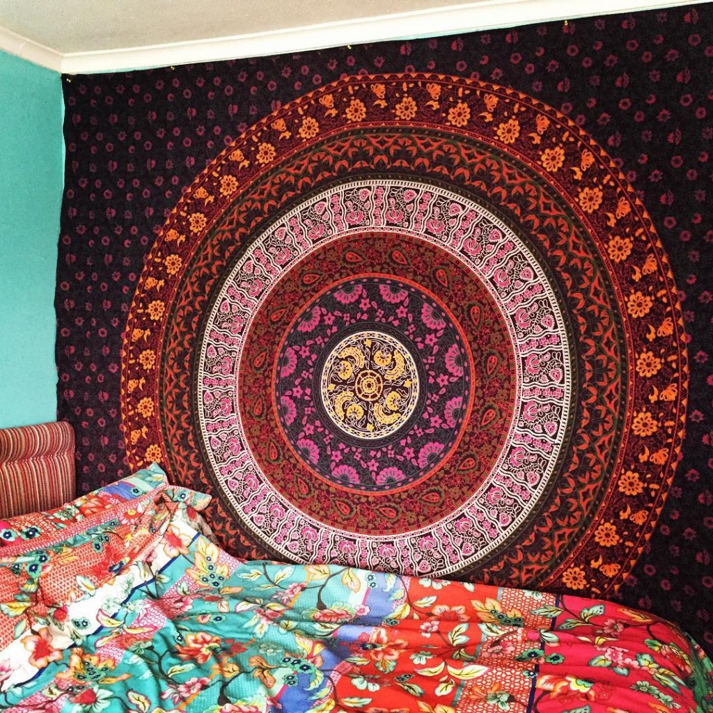 30 stylish diy tumblr room decorating ideas royal furnish for Space themed tapestry