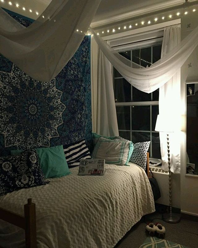 Black And White Themed Dorm Room