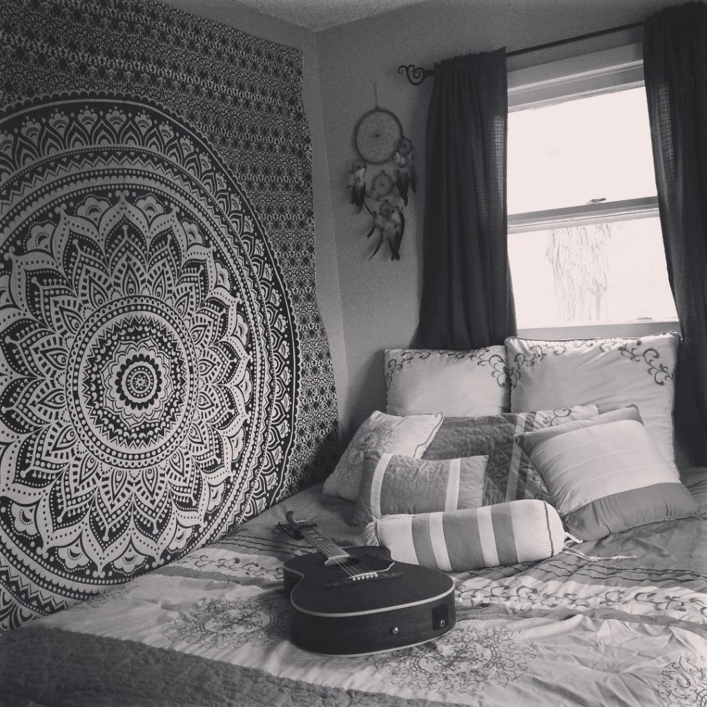 dorm room pics tumblr best 25 dorm room lighting ideas on pinterest college dorm lights hippie. Black Bedroom Furniture Sets. Home Design Ideas