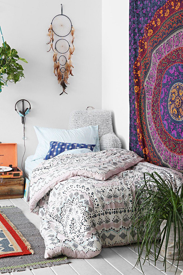 21 Bohemian Bedroom Decorating Ideas
