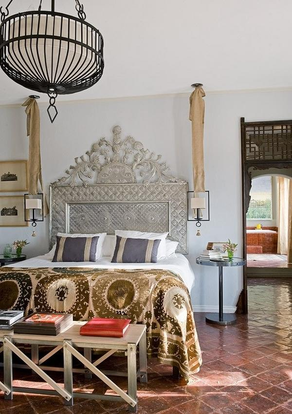 bohemian-bedroom-ideas-original-bed-headboard-unique-chandelier