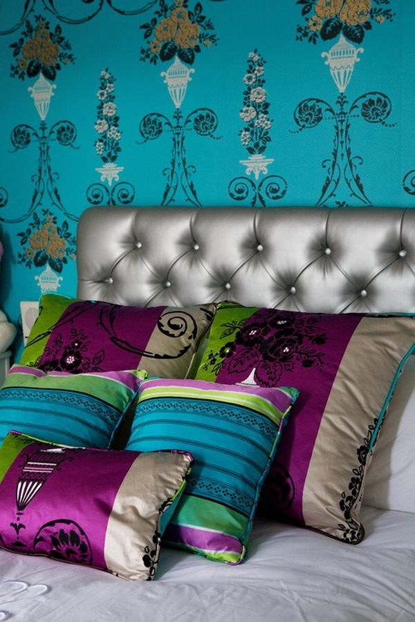 bohemian-bedroom-ideas-silver-tufted-headboard-wall-murals-decorative-pillows