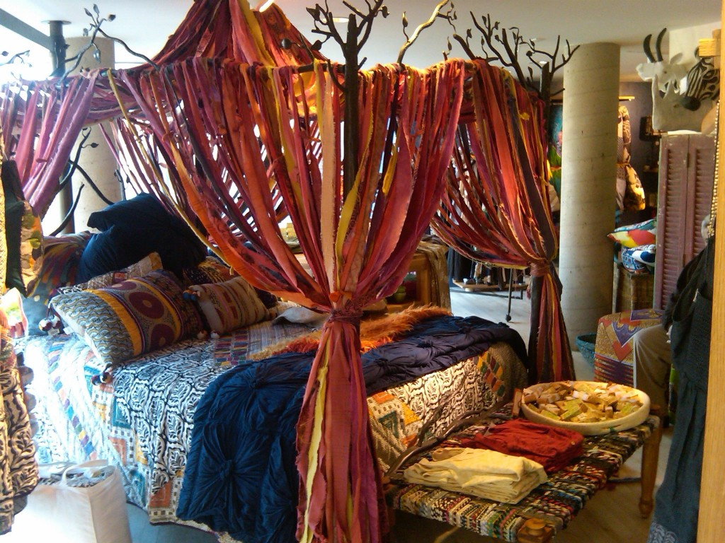 Bohemian style bedroom decorating ideas royal furnish Bohemian style fashion blogs