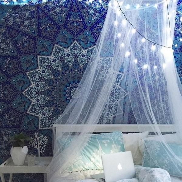 Bohemian style bedroom decorating ideas royal furnish for Space themed tapestry