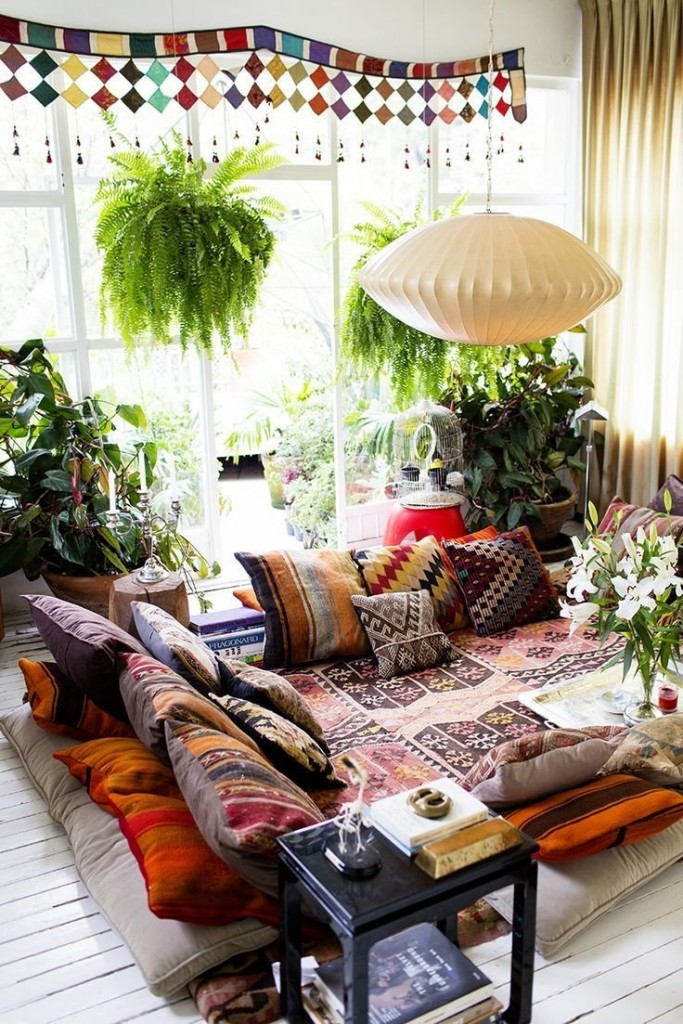 bohemian-style-living-room-where-pillows-act-as-furniture
