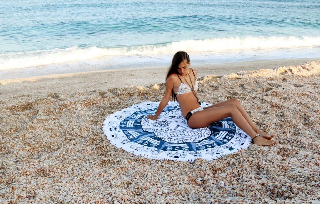 beach blanket white